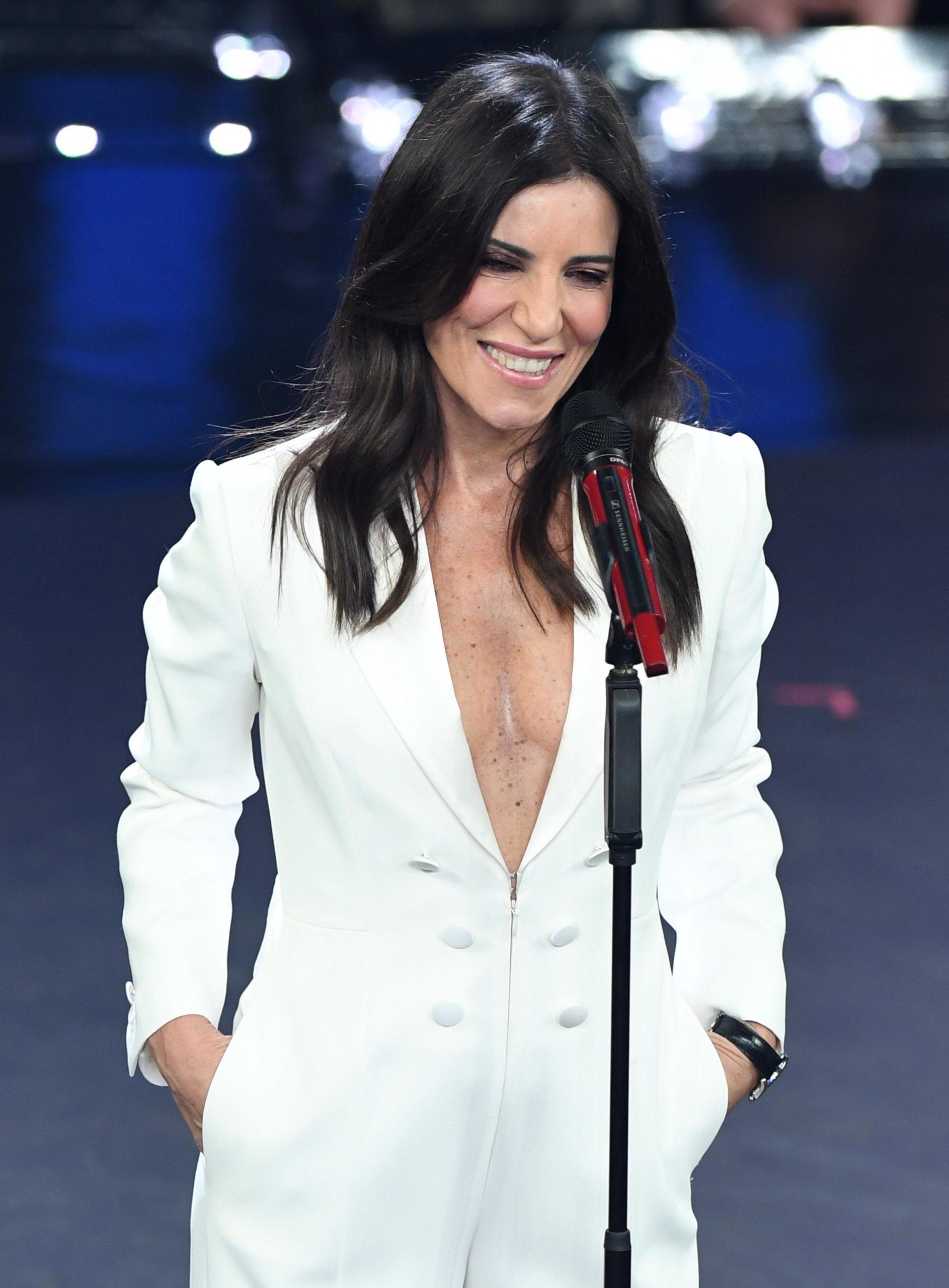 Il beauty look di Paola Turci durante la prima serata di Sanremo 2019