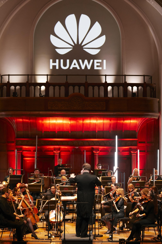 "Presentato a Londra Huawei ""Unfinished Symphony"""