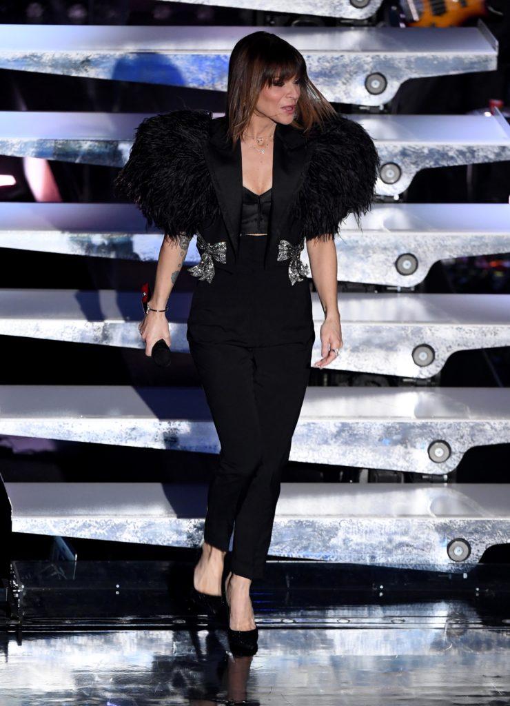 Il look di Alessandra Amoroso durante la terza serata di Sanremo 2019
