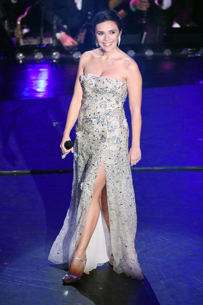 Il look di Serena Rossi durante la terza serata di Sanremo 2019