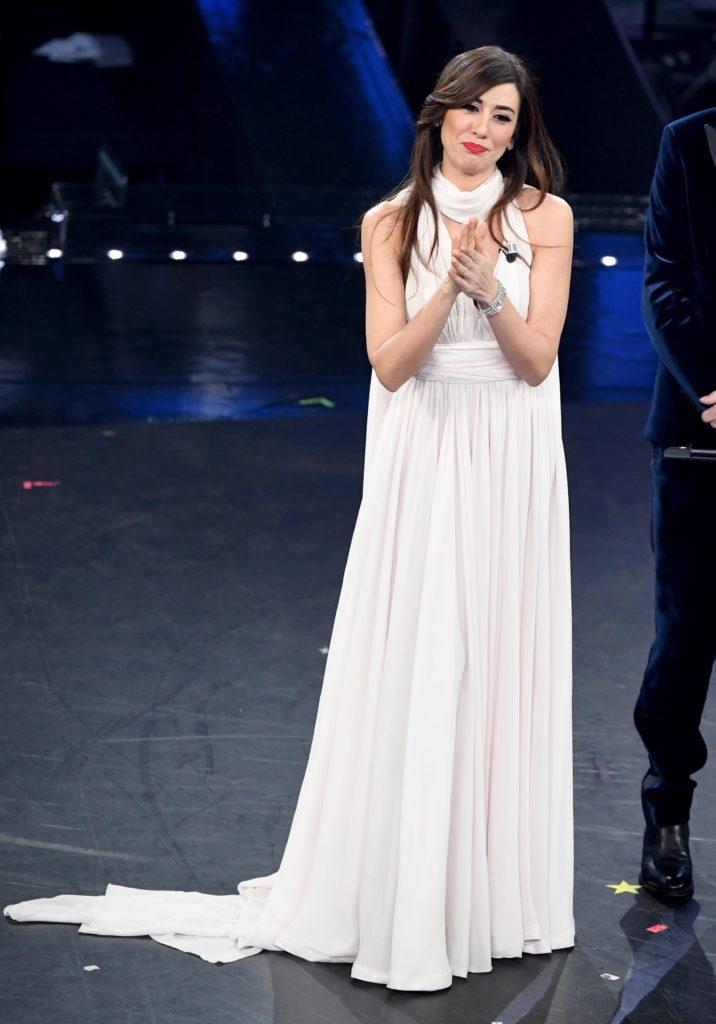 Il primo look di Virginia Raffaele durante la terza serata di Sanremo 2019