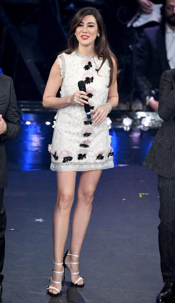 Il secondo look di Virginia Raffaele durante la terza serata di Sanremo 2019