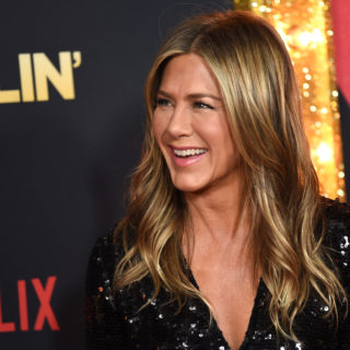 Jennifer Aniston usa il filtro 2020 di Instagram
