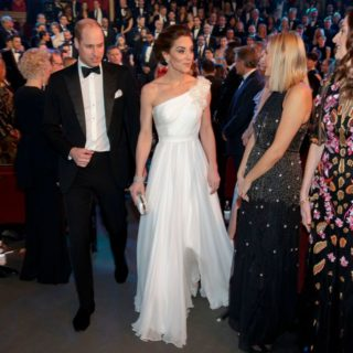 Kate Middleton brilla sul red carpet dei Bafta