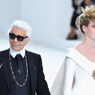 Karl Lagerfeld in 10 abiti