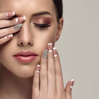 Beauty Alert: la nuova french manicure (da amare)