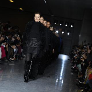 Rigore glamour per la donna Max Mara