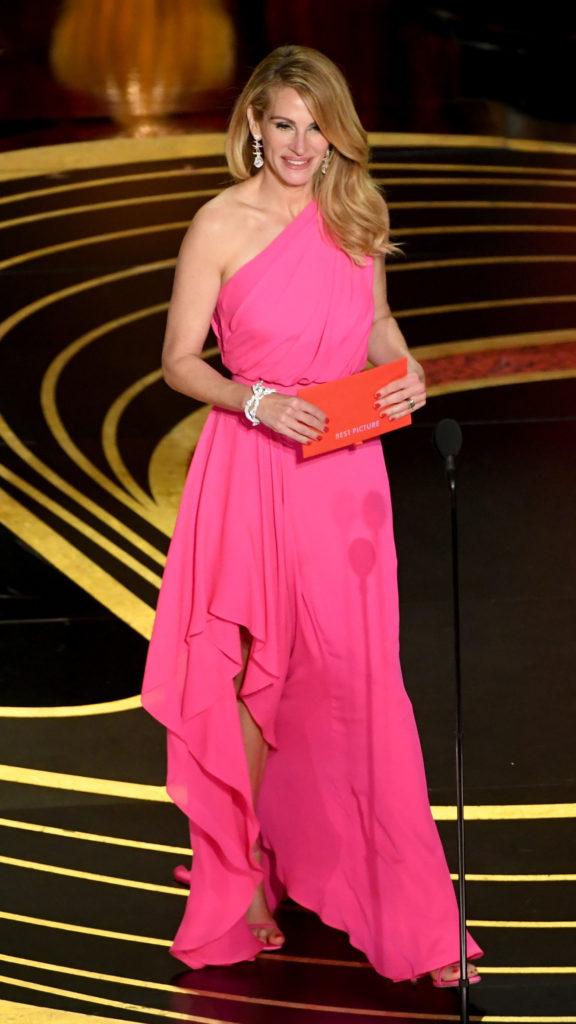 Julia Roberts in Elie Saab agli Oscar 2019