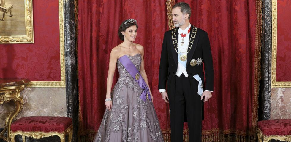 Letizia Ortiz e Re Felipe: imbarazzo a corte per la nipote Victoria