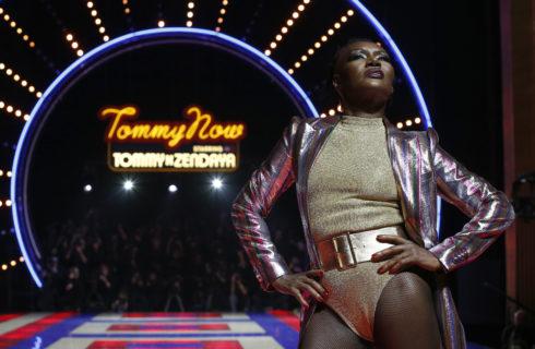 Grace Jones sfila a 70 anni per TommyXZendaya
