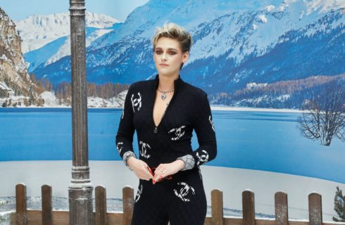 Kristen Stewart in prima fila da Chanel e poi al party Louis Vuitton