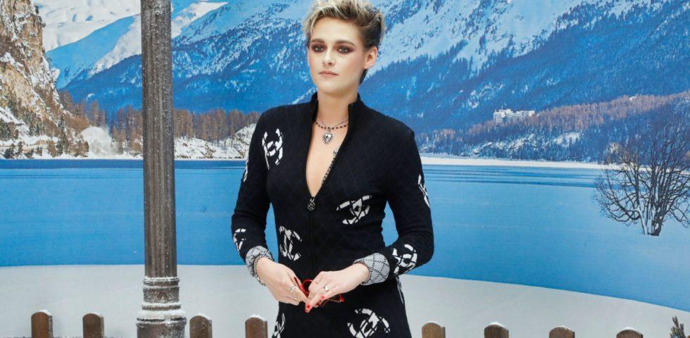 Kristen Stewart in prima fila da Chanel e poi al party Louis Vuitton