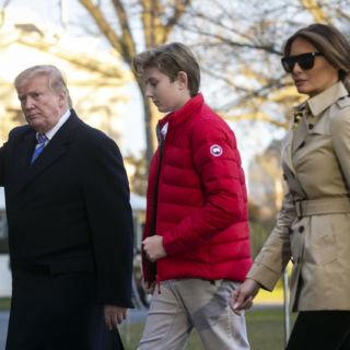 Barron Trump più alto di Donald e Melania