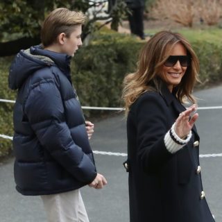 Melania Trump: look casual in sneakers