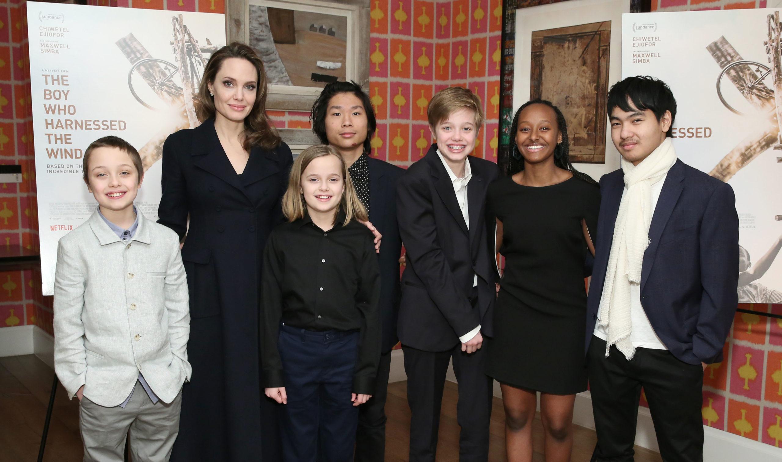 Angelina sul red carpet con i figli