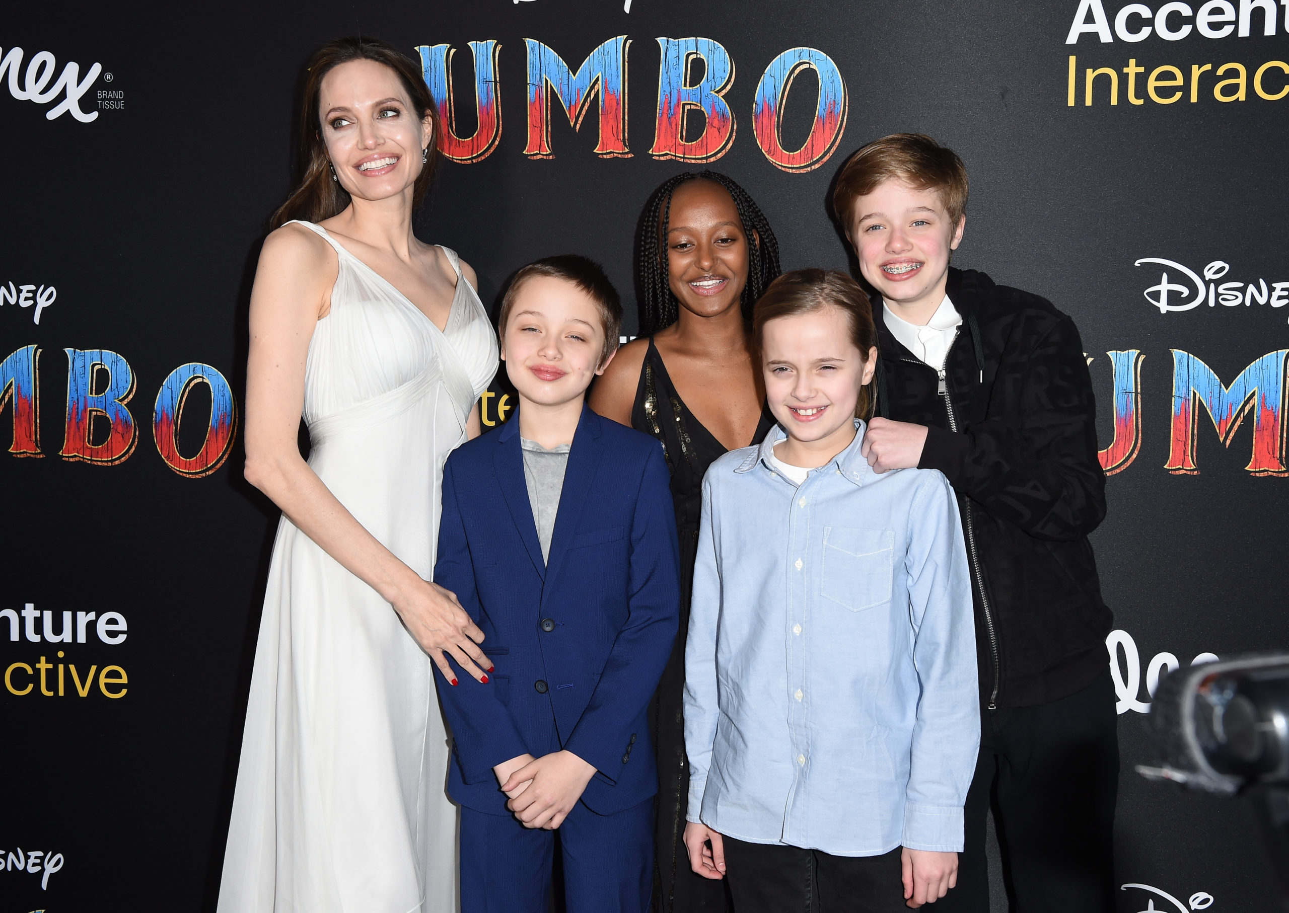 Angelina sul red carpet con i figli