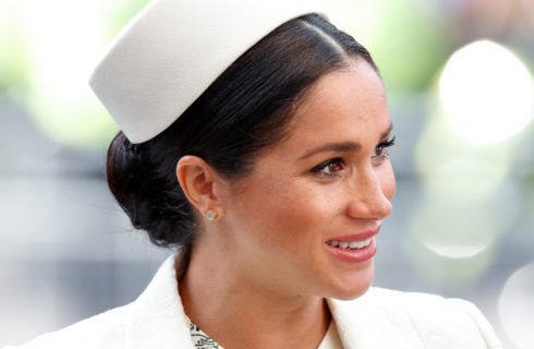 Meghan Markle e il look che ricorda quelli di Kate Middleton e Lady Diana
