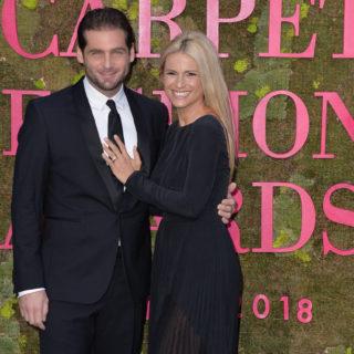Michelle Hunziker e Tomaso Trussardi: bacio social da record
