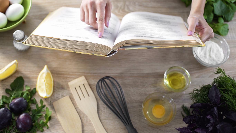 I migliori 10 libri di cucina da regalare diredonna for Elettrodomestici da regalare