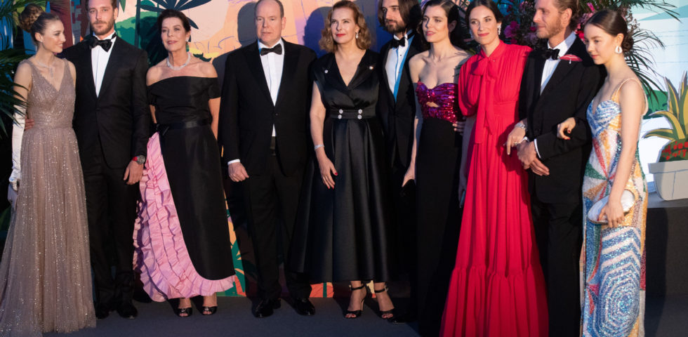 Carolina di Monaco e Charlotte Casiraghi: Ballo della Rosa 2019 in memoria di Karl Lagerfeld