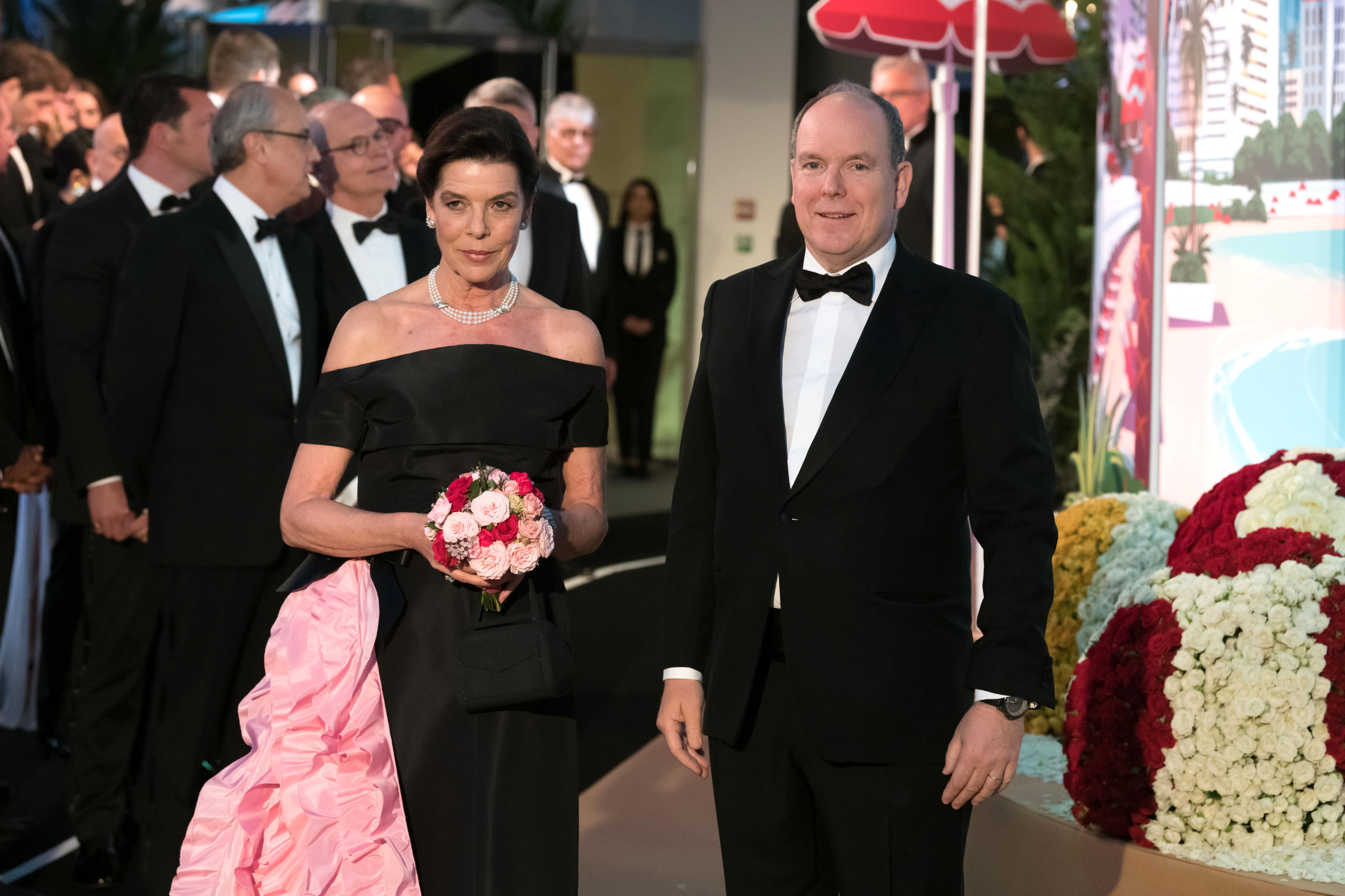 Ballo della Rosa in onore di Lagerfeld.