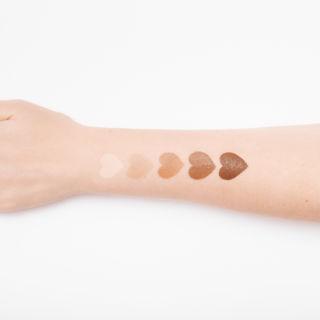 Come individuare il sottotono della pelle per il make-up