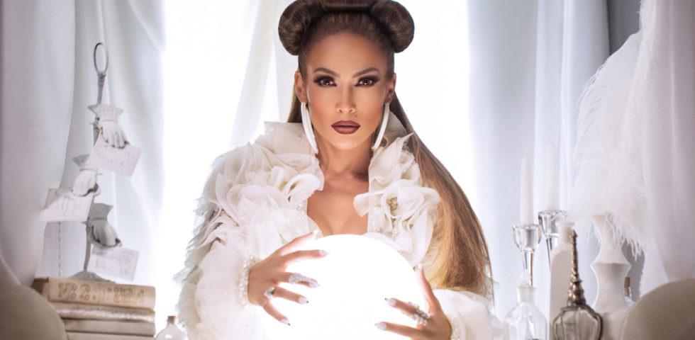 Jennifer Lopez: tutti i sexy look del video Medicine