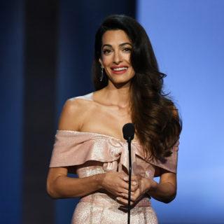 Amal Clooney contro Donald Trump per libertà di stampa