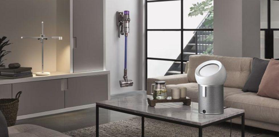 Dyson presenta il suo tris: nuovo aspiratore V11, purificatore e lampada