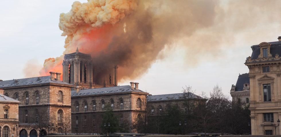Gara di solidarietà tra Arnault e Pinault: 300 milioni di euro per ricostruire Notre-Dame