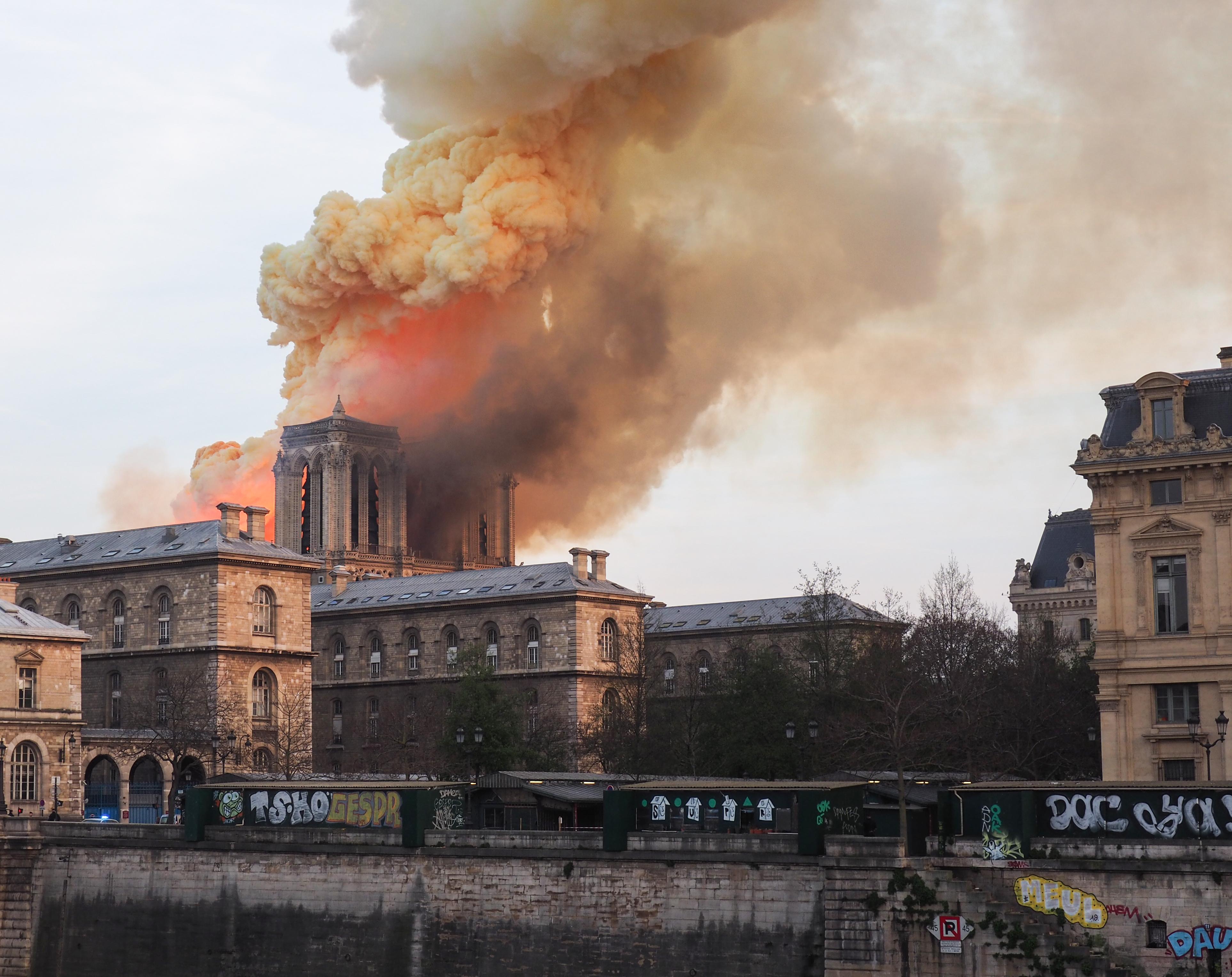 I danni e le donazioni per Notre-Dame