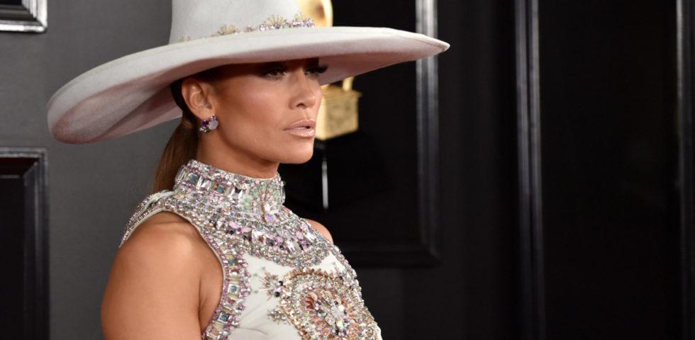 Jennifer Lopez lancia la sua linea di scarpe e borse con Camuto Group