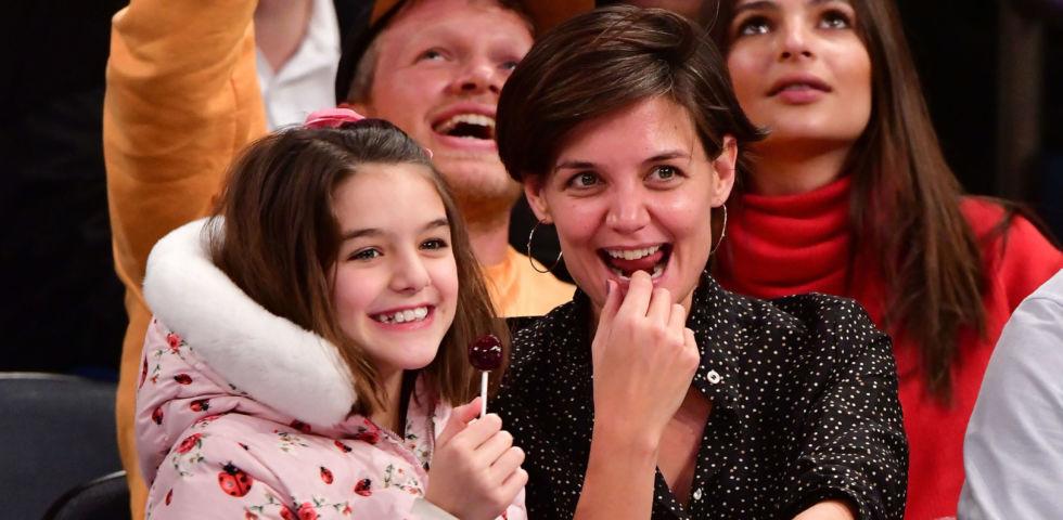 Suri Cruise compie 13 anni: compleanno a New York con Katie Holmes