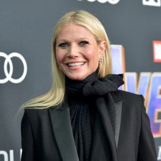 "Paltrow: sold out per la candela ""L'odore della mia vagina"""