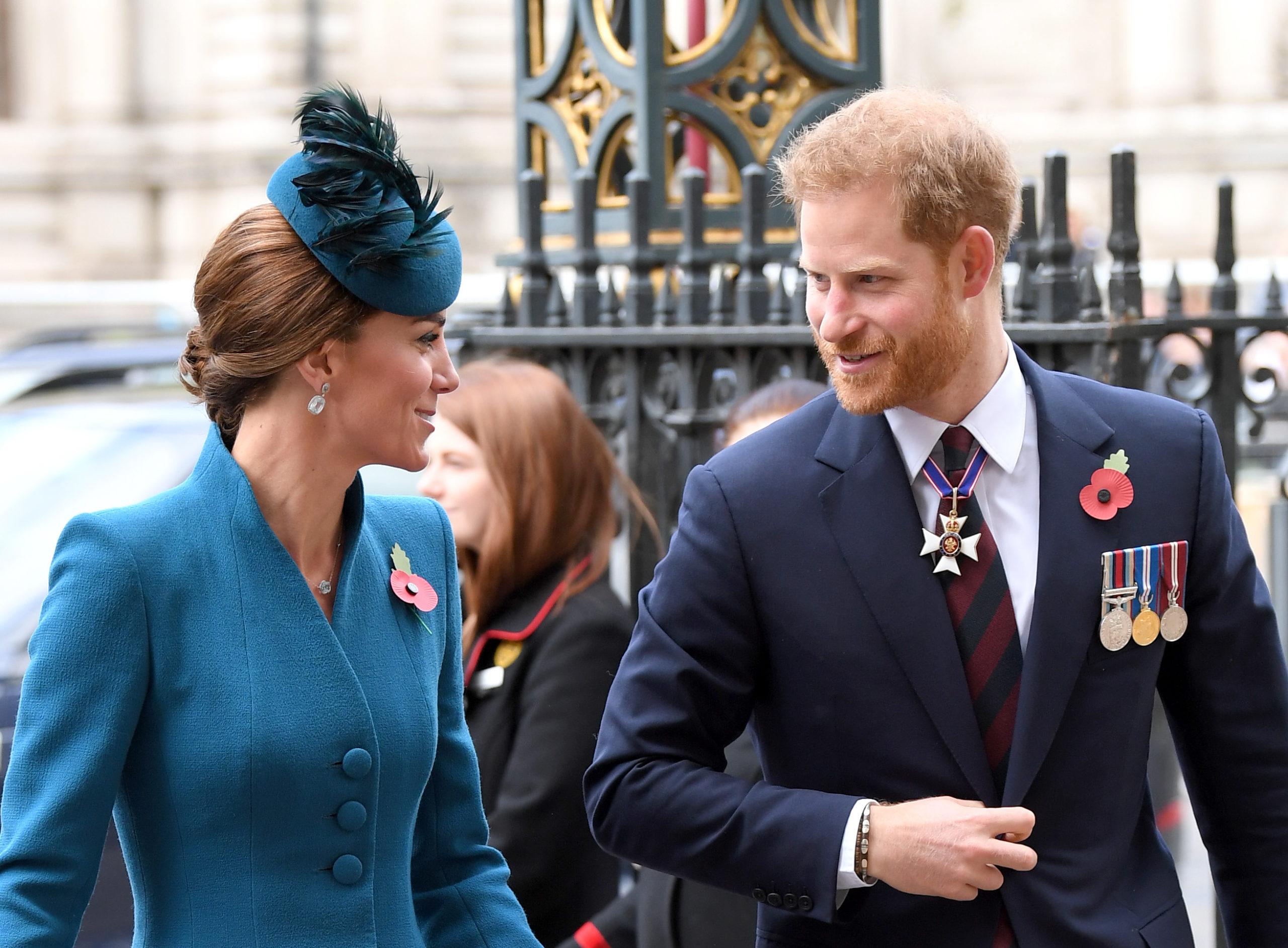 Kate e Harry sorridono insieme