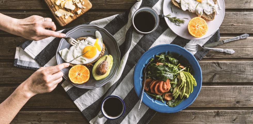 Colazione salata e light: cosa mangiare e ricette