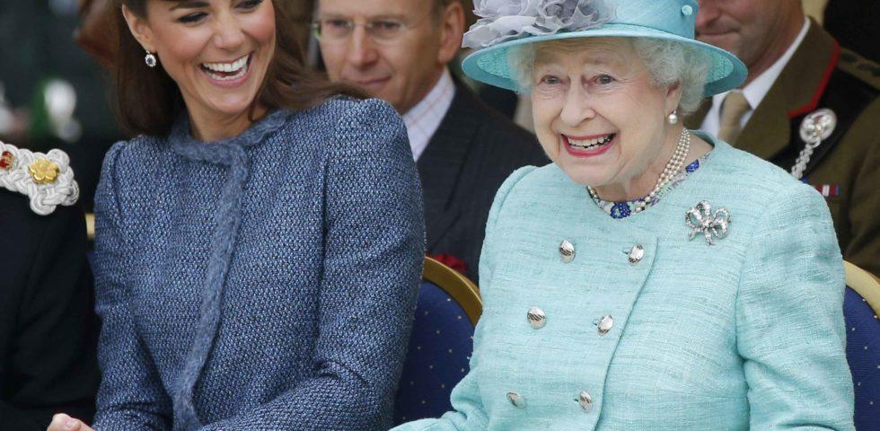 Kate Middleton: onorificenza della Regina Elisabetta per gli 8 anni di matrimonio