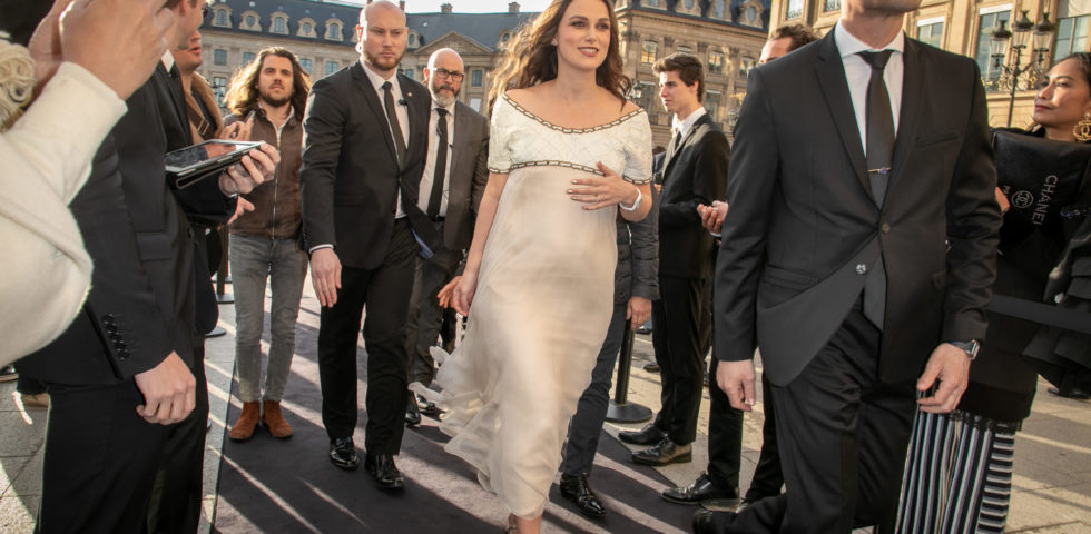 Keira Knightley è incinta: seconda gravidanza annunciata sul red carpet di Chanel
