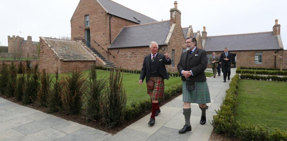 Il Principe Carlo apre un b&b in Scozia: come soggiornare nel castello