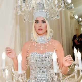 Katy Perry cambia taglio di capelli in vista delle nozze