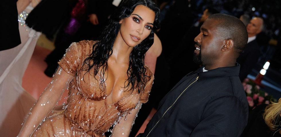 La figlia di Kim Kardashian si esibisce sul palco a soli sei anni
