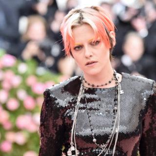 Kristen Stewart: omaggio a Bowie con il look al Met