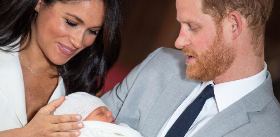 Principe Harry: la foto tenerissima con Archie per la Festa del papà