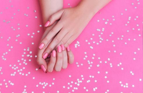 Unghie rosa: idee e tendenze