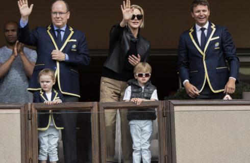 Charlene di Monaco e Alberto: look coordinati con i gemelli