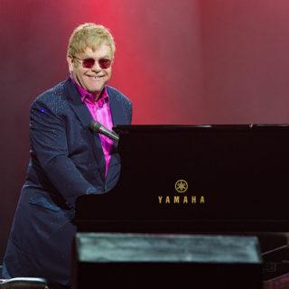 Elton John pazzo per la candela di Gwyneth Paltrow!