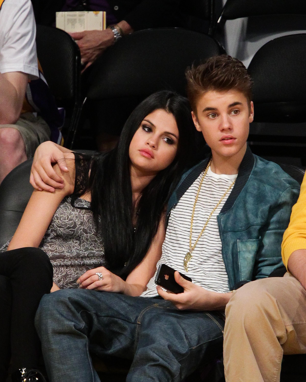 Selena cancella Justin dai social