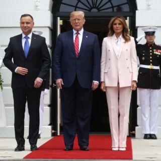 Tutte le versioni del tailleur rosa di Melania Trump