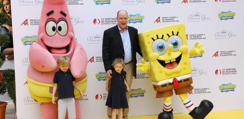 Charlene di Monaco alla 24 Ore di Le Mans e i figli sul red carpet con papà Alberto