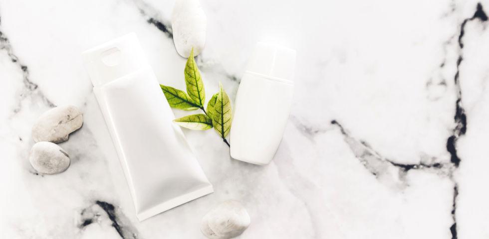 Mousse detergente viso: a cosa servono e le migliori naturali